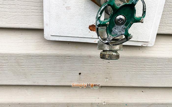 https simplyhometips com repair leaking outdoor faucet