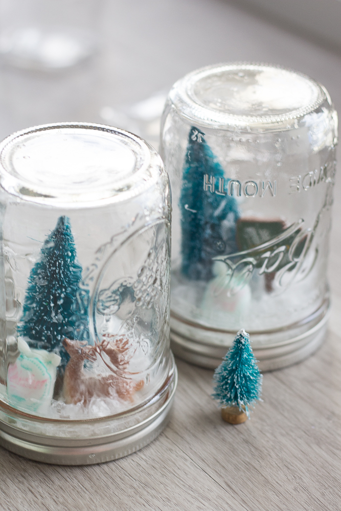 DIY Waterless North Pole Snowglobes
