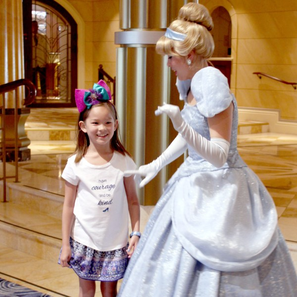 DIY Make this have courage and be kind shirt for your little princess! #moviequote #Cinderella