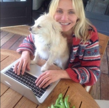 lovely cameron diaz with out make up with pet