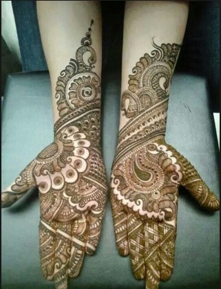 thin line pattern desiner mehndi