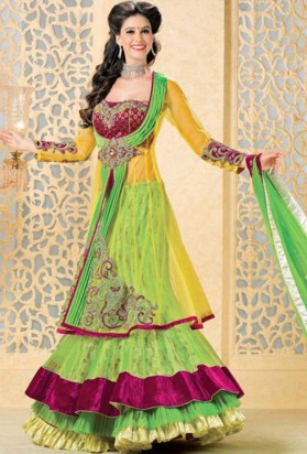 dulhan lehenga for engagement