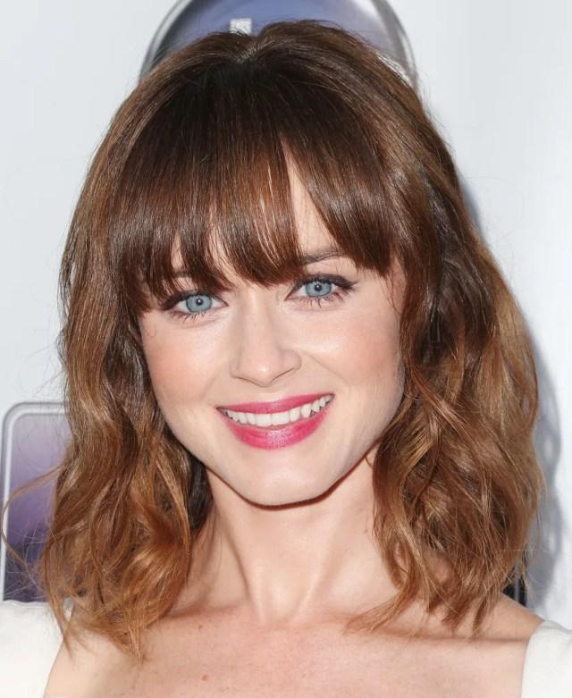 slight wavy hairstyle for medium length hairs