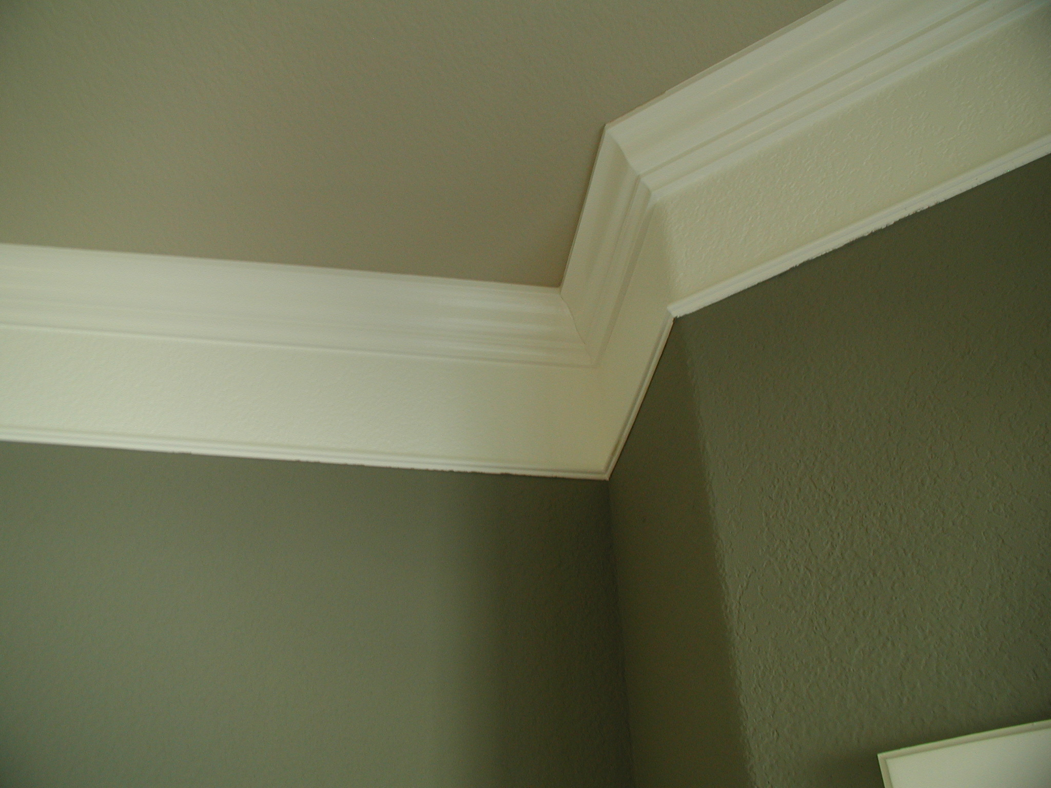 crown molding with plaster illusion