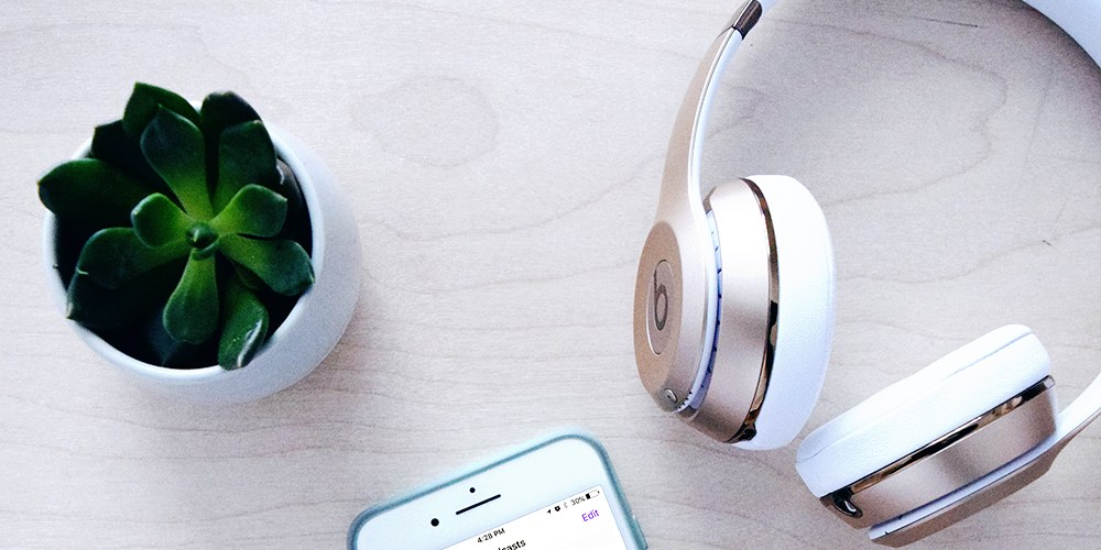 A round of up of my favorite podcasts for creative entrepreneurs