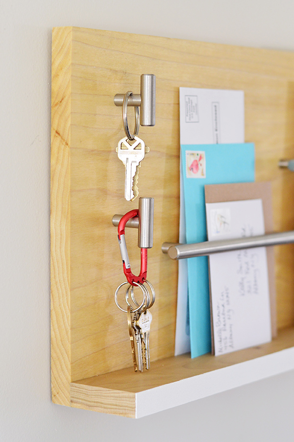 Lost your Keys? - 5 Organizing Tips for Never Losing Them Again // simplyspaced.com