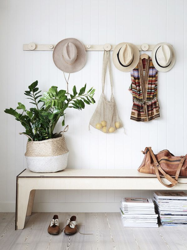 How to Set Up a Steamlined Entry Station // Organizing at home // simplyspaced.com