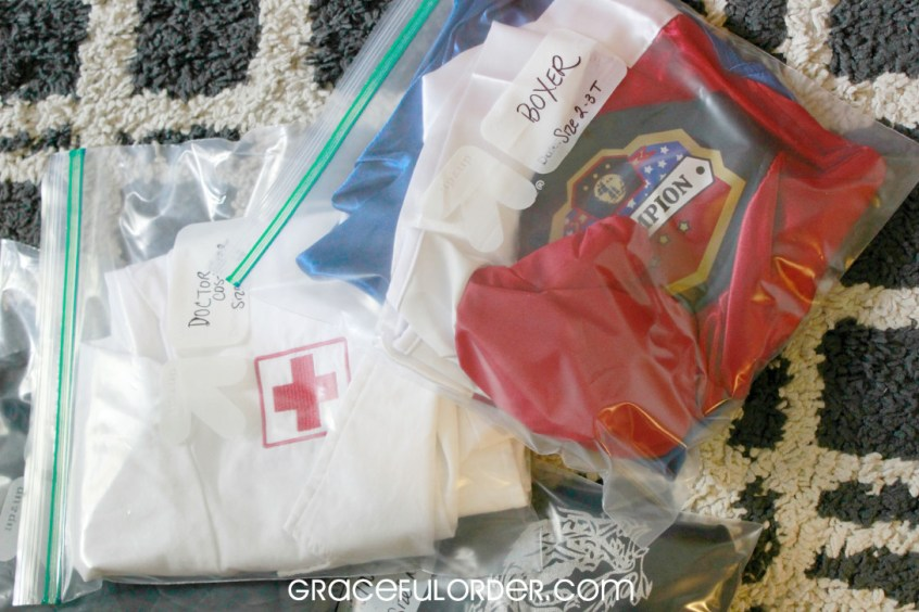 Organized Halloween Costumes // storage solutions // ziploc bags // www.simplyspaced.com