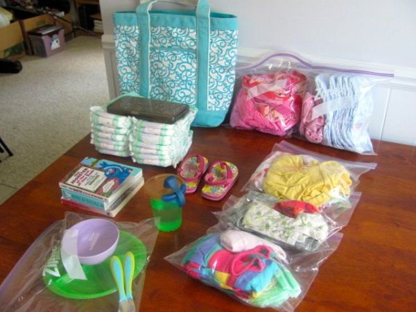 Diaper Bag Organizing // How to Organize your Entire Life with Ziploc Bags // #diaperbag #organizing // simplyspaced.com