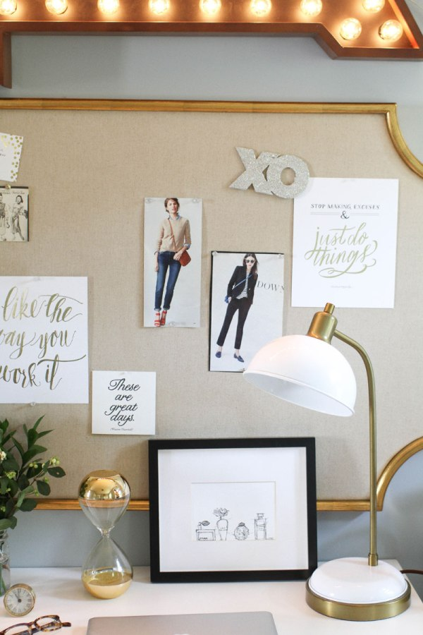 HOW TO ORGANIZE GREETING CARD MEMENTOS // // pretty office bulletin board styling // SimplySpaced.com