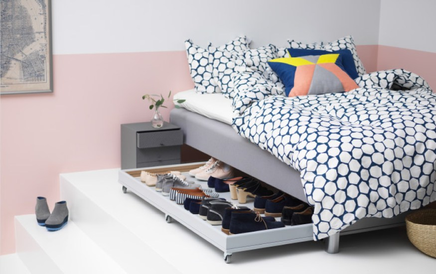 How to Organize your shoes // under bed shoe storage products // organizers // shoe storage ideas // underbed storage // small space solutions // www.simplyspaced.com