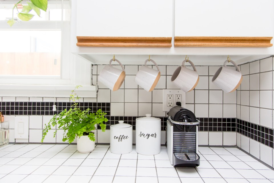 Tips for an organized plastic-free kitchen