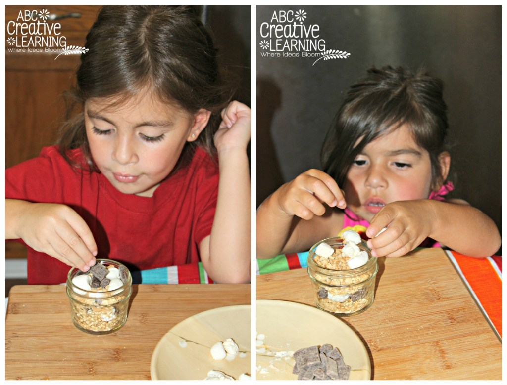 creating mini smores in a jar for camping