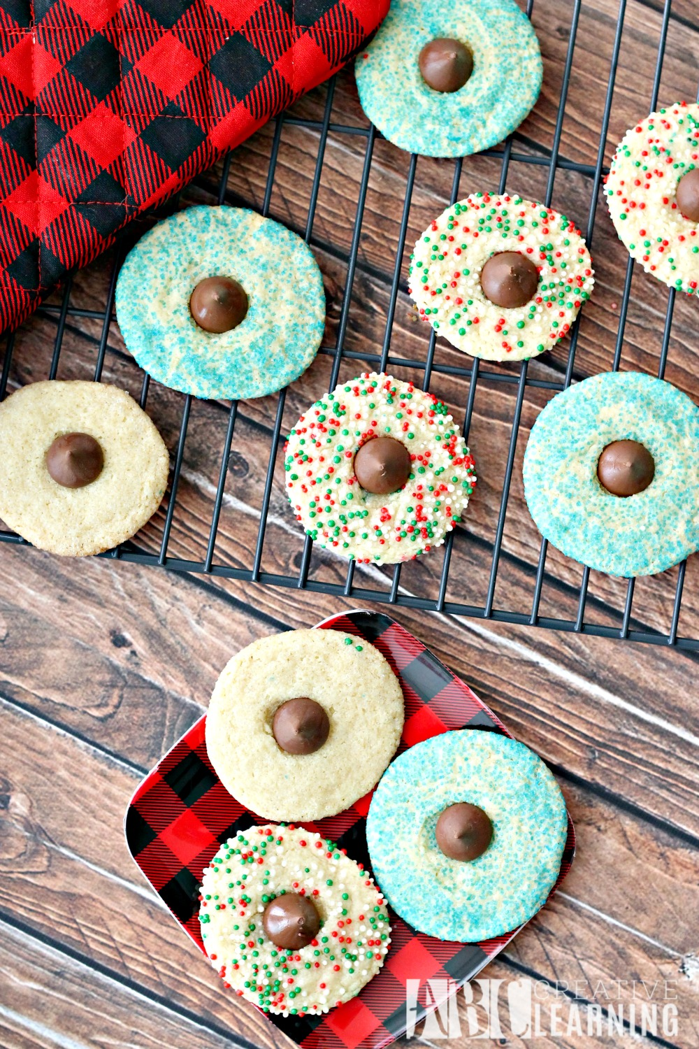 Baking Memories with Holiday Blossom Cookies top
