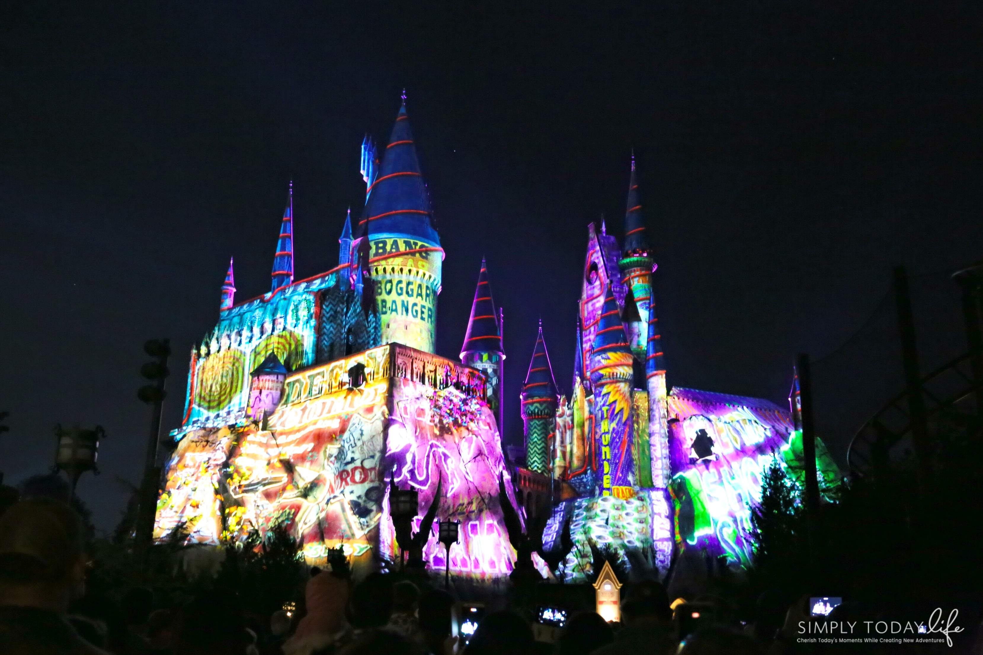 Family Guide To Celebrating the Holidays at Universal Orlando Resort - The Magic of Christmas at Hogwarts Castle