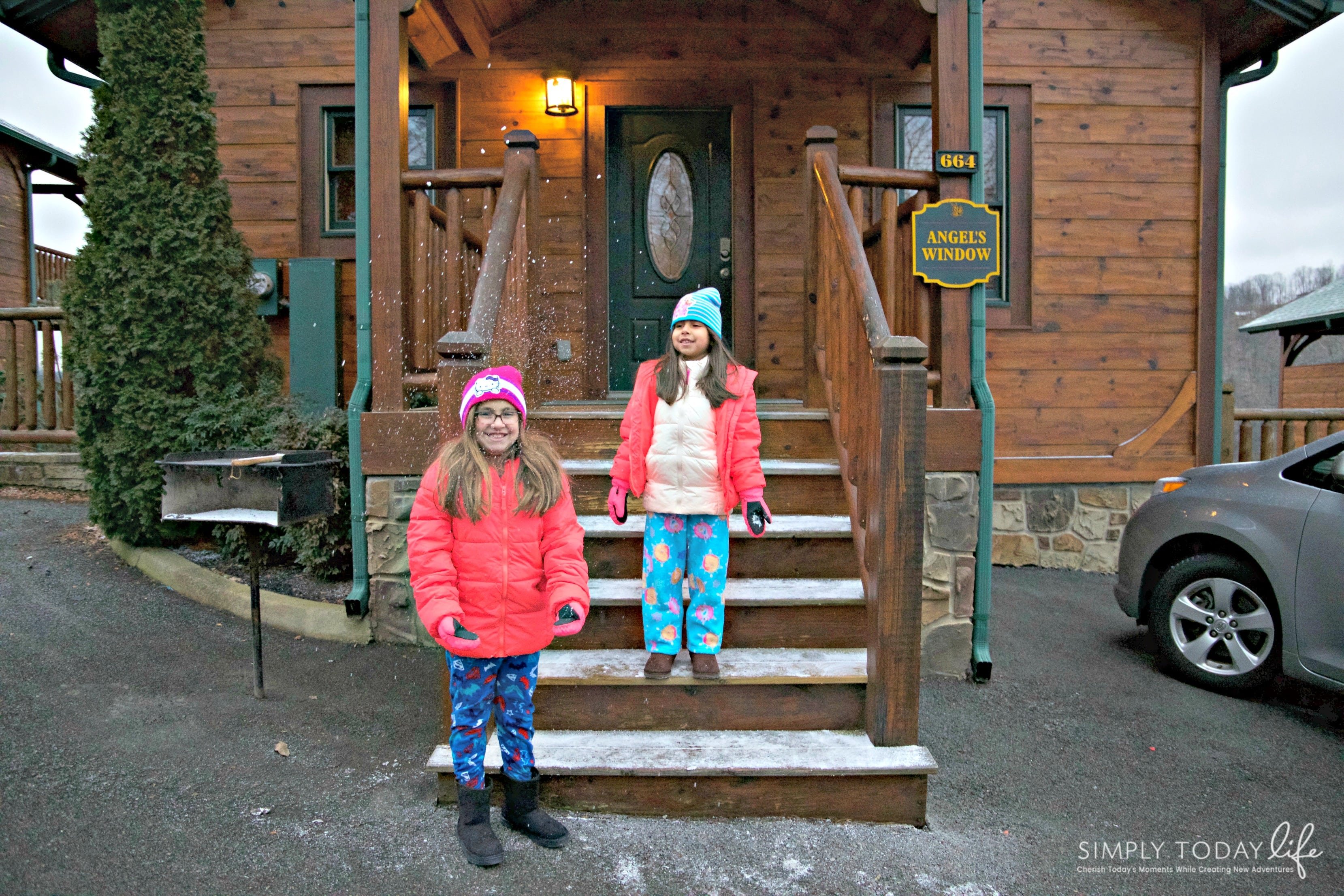 Family Snow Memories in Gatlinburg Cabins - simplytodaylife.com