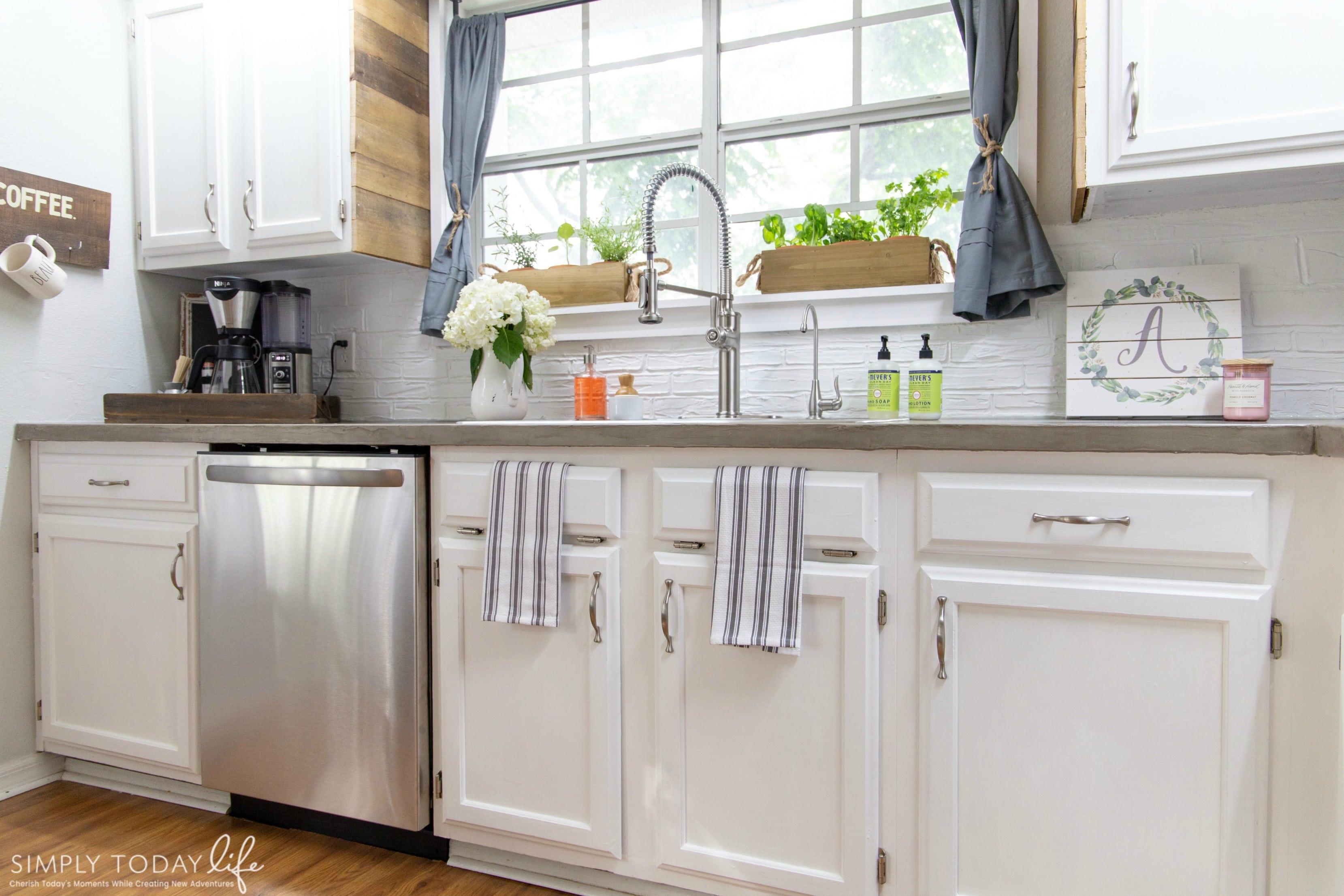 Kitchen Farmhouse DIY Renovation Paint Cabinets - simplytodaylife.com