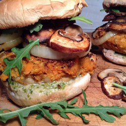 Carrot and white beans burger with grilled onions and mushroom