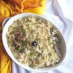 Instant Pot Matar Pulav is a delicious Pulav without much hassle. It is made with green peas and basamati rice. It is a glutenfree recipe and can be easily made vegan. #instantpotrecipes #instapotrice #matarpulav #pilaf #peaspulav #glutenfreemeal #vegan #lunchideas