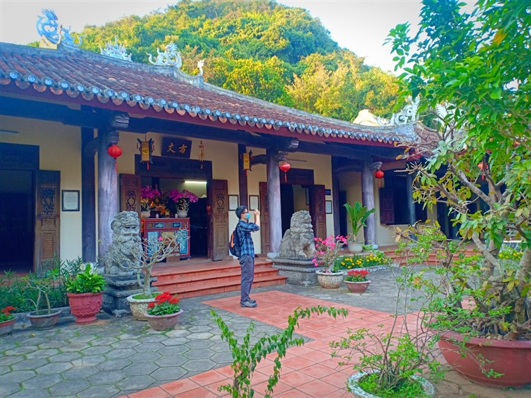 Marble mountains and Hoi An ancient town (1)