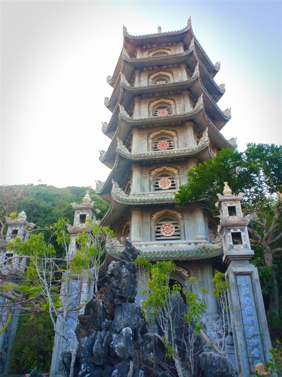 Marble mountains and Hoi An walking tour (1)