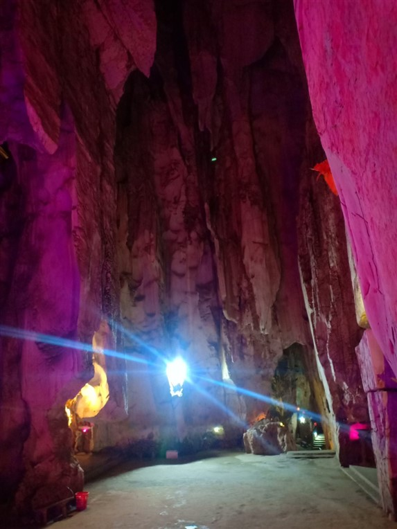 Marble mountains and sculpture village (2)