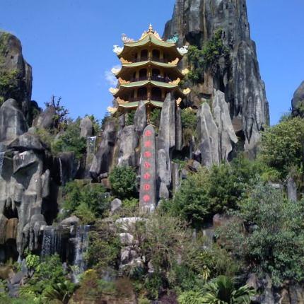 Marble Mountains, Monkey Mountain and Da Nang nightlife