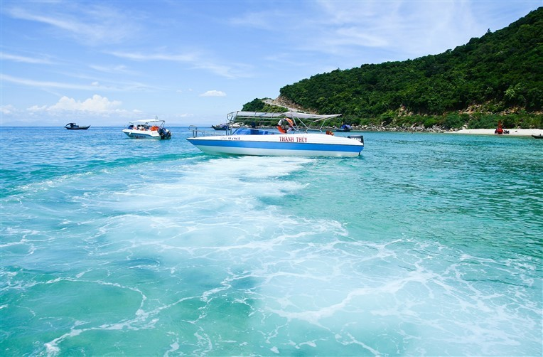 Discovery scuba diving in Cham island for beginners (7)
