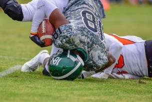 concussion-football-player