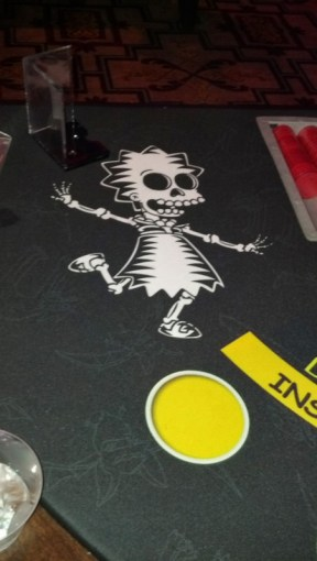 Bones Lisa on the blackjack table