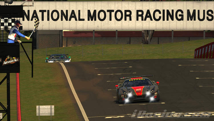 iRacing Bathurst 12H: SIMRACE247 claim first win!
