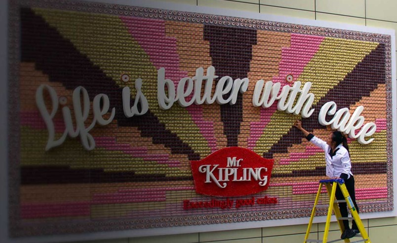 mrkipling-edible-billboard