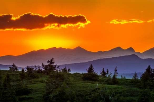 Sunset-over-mountains