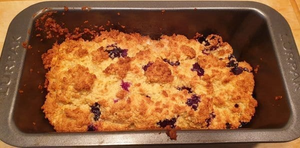 Keto blueberry cake tin