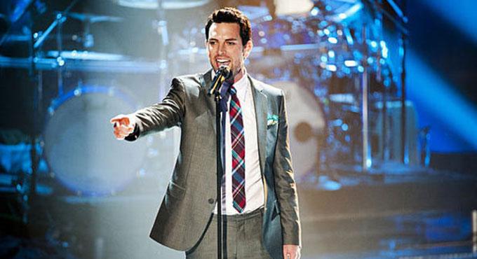 The Voice's Chris Mann Teaches Broadway's Kids