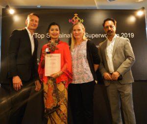 Evi, Direktur Keuangan BPJS Ketenagakerjaan, Raih Asia's Top Sustainability Superwomen di Singapura