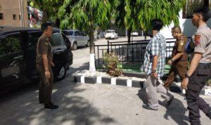 Jaksa Menangkap Pelaku Dugaan Korupsi Pembangunan Pasar Senilai Rp 5 M.