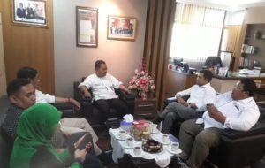 Pertemuan Ketua Umum DPP APKLI Ali Mahsun Atmo dengan Wakil Ketua DPRD Provinsi Jawa Tengah Fery Wawan Cahyono, di ruang kerja pimpinan DPRD, pada Rabu pagi, 06 November 2019.