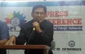 Sekretaris Jenderal Federasi Serikat Pekerja Metal Indonesia (FSPMI) Riden Hatam Aziz: Sudah Dapat Insentif, Masih Mau Pangkas Juga THR Buruh, Pengusaha Keterlaluan!