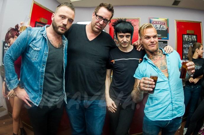 Απο τα αριστερά: Nick Gavrilovic (κιθάρα), Bill Lloyd (μπάσο),Γιώργος Φακίνος, Steve Forrest (τύμπανα)