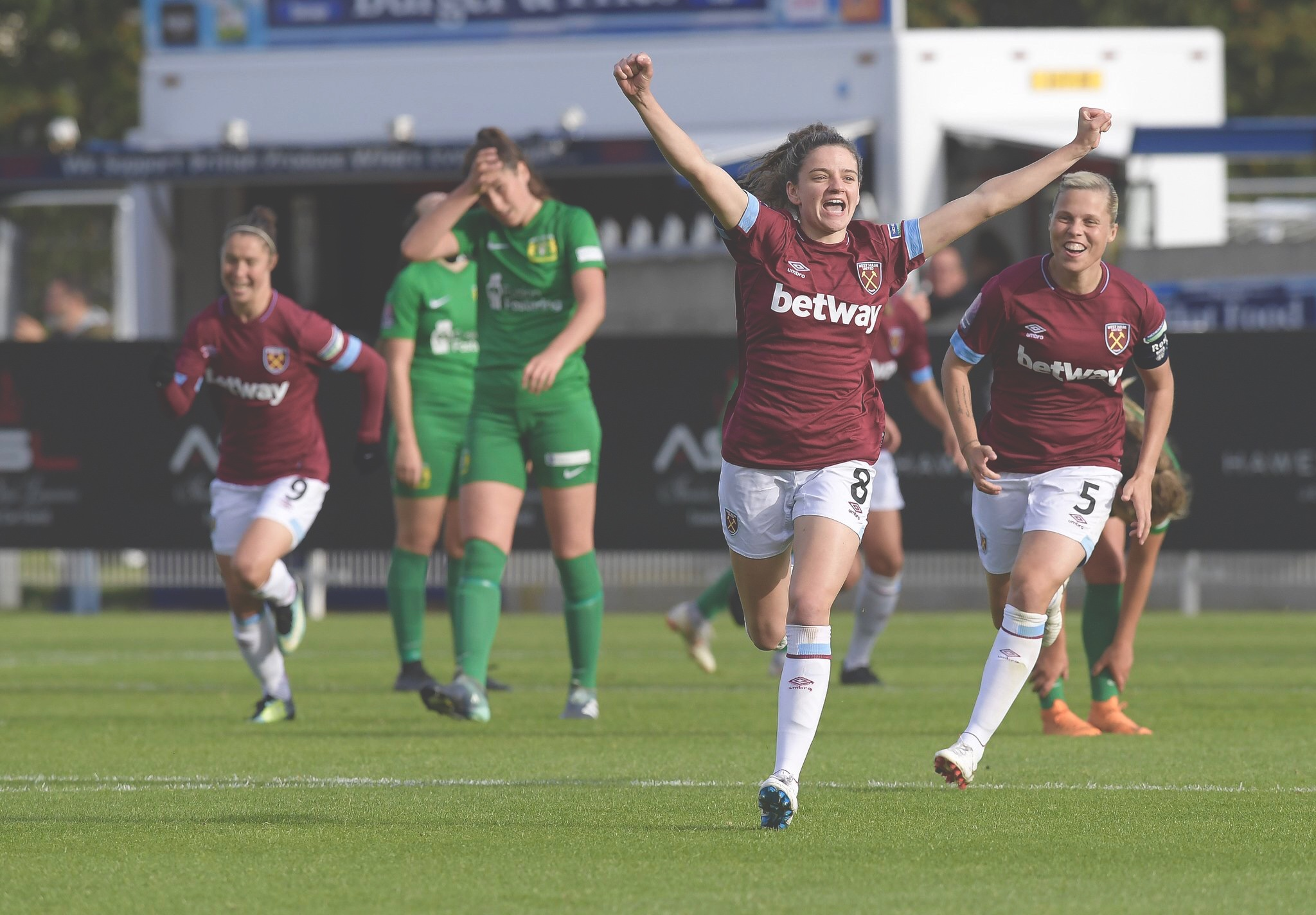Great finish from Leanne Kiernan to give us the lead against Yeovil Ladies FC