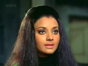 Yogeeta Bali in Ajnabee (1974)