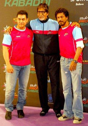 प्रो-कबड्डी लीग के दौरान अमिताभ के साथ आमिर और शाह रूख़।