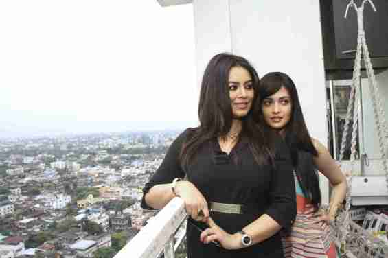 "Kolkata: Actresses Mahima Chaudhry and Riya Sen during a press conference regarding their upcoming film ""Dark Chocolate"" in Kolkata, on Oct 6, 2015. (Photo: IANS)"