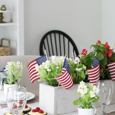 A Country Style 4th of July Tablescape