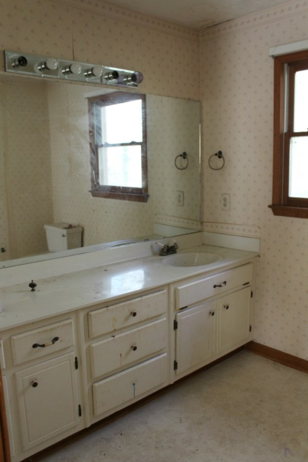 Timeless Bathroom Renovation Plan