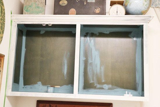Trimming cabinets with Brush