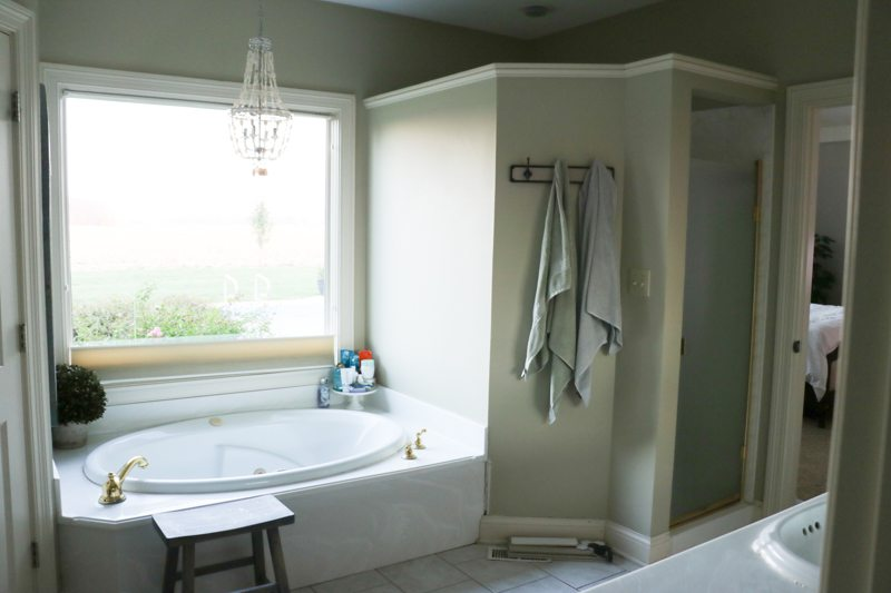 bathroom-remodel-before-sincerely-sara-d-1