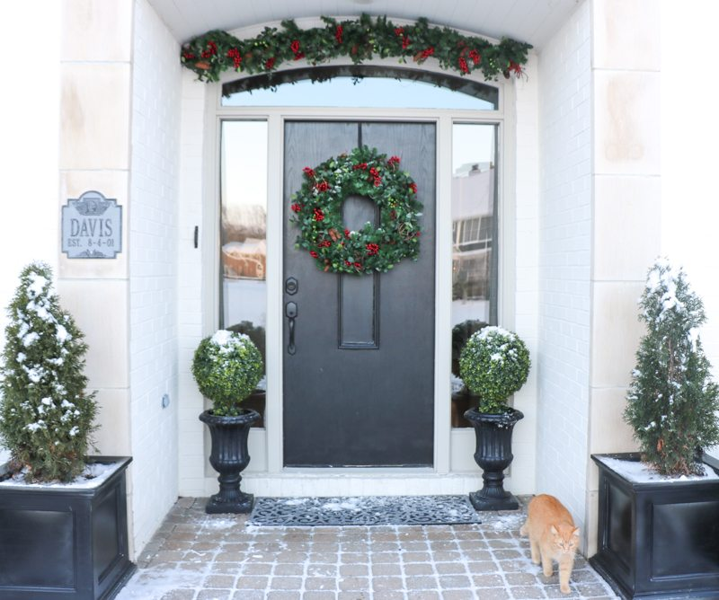 winter-decor-with-balsam-hill_-8