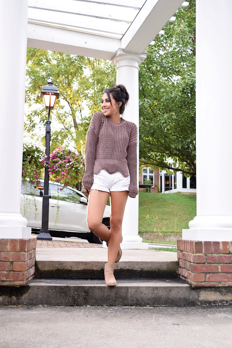 romwe-sweater-brittany-seiden-sincerely-styled-white-shorts